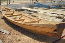 Pirogue en construction